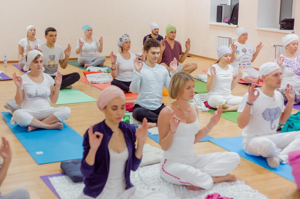 Кундалини-йога студия Сияй