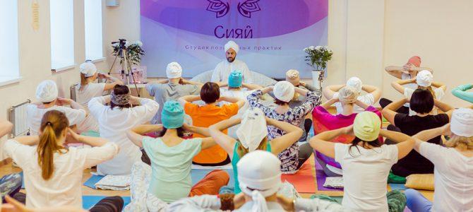 Искусство Сат Нам Расаян становится все более популярным в России